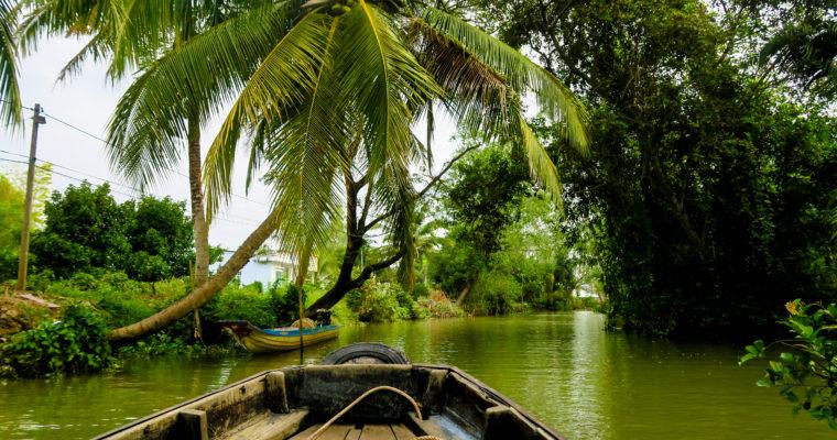 W Delcie Mekongu łodzią i rowerem